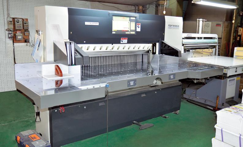 全ての工程で全員がプロフェッショナルを自負する加藤紙工で、アプリシアの導入は強い味方となっている。